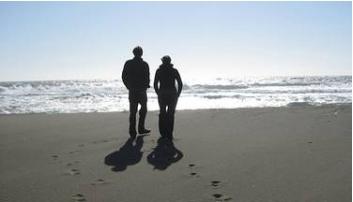 Pareja de maduros en la playa - 1 part 5